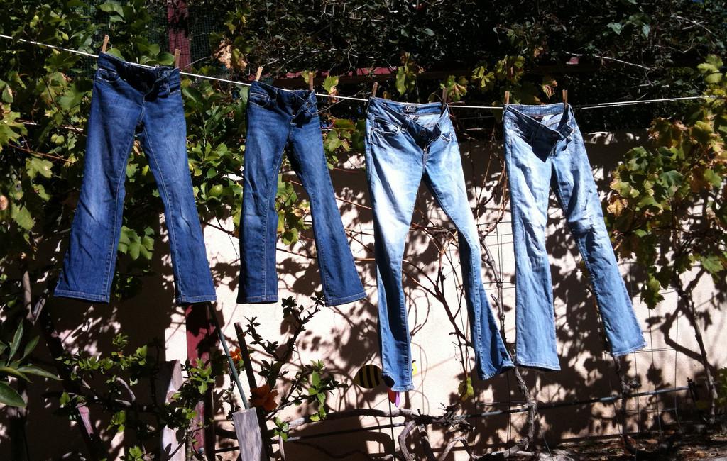 Sådan vasker du dine jeans korrekt